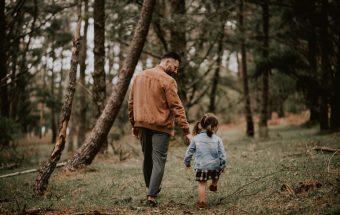 Sesión familiar en un bosque de Galicia - Petite Olivia & Louis